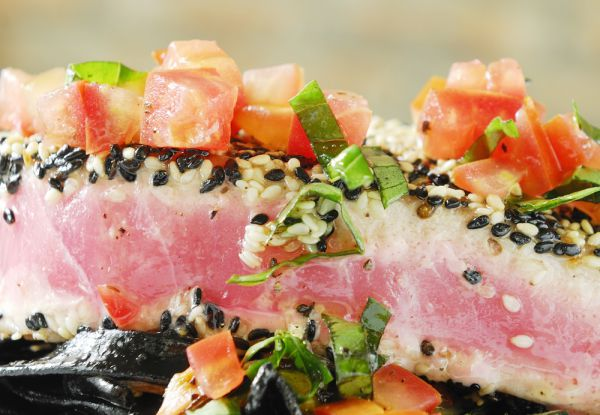 ahi tuna with sesame sees